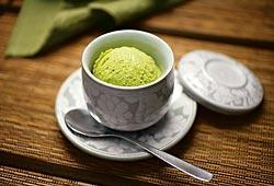 Green_tea_ice_cream_2
