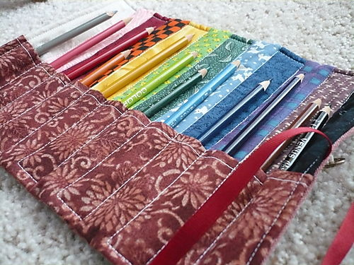 12-pocket colored pencil roll